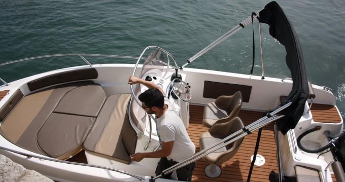 Noleggio Barca a motore a Setúbal – Saver 580 open