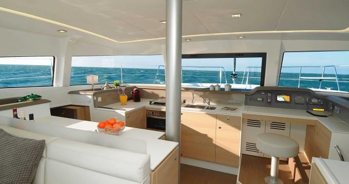 Noleggio Catamarano con o senza skipper Bali Catamarans a Tahiti