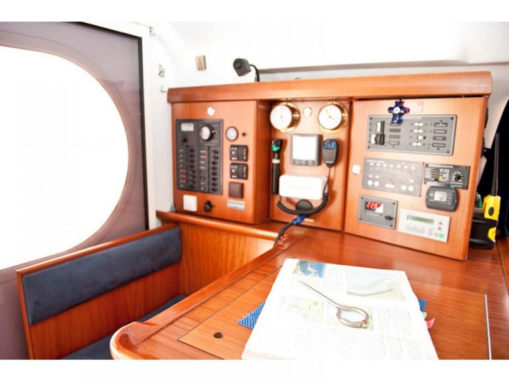 Noleggio barche  economico Nautitech 47