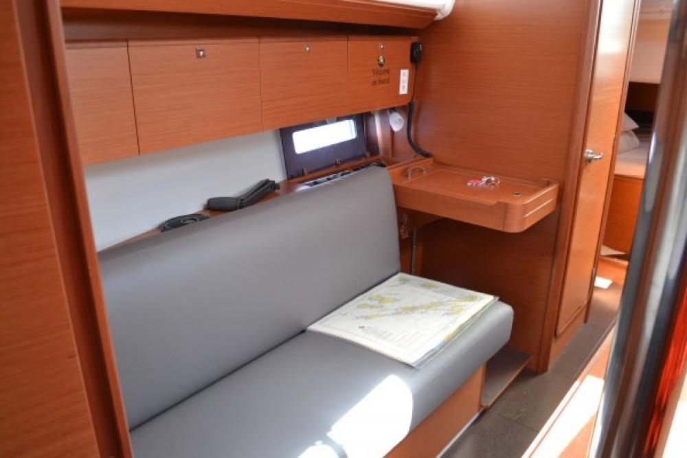 Noleggio barche Dufour Dufour 360 GL  su Samboat