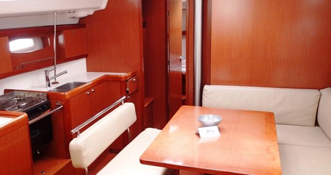 Noleggio Barca a vela a Sukošan – Bénéteau Oceanis 43