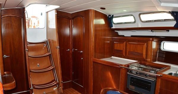 Bénéteau Oceanis Clipper 423 tra privati e professionisti a Sukošan