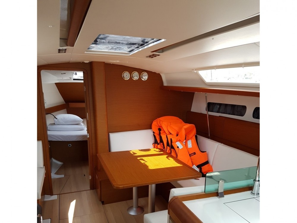 Noleggio barche Jeanneau Sun Odyssey 419 Sukošan su Samboat