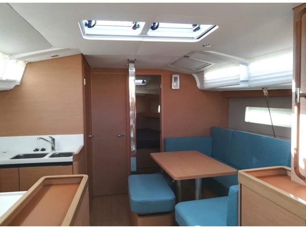 Noleggio barche Follonica economico Sun Odyssey 440
