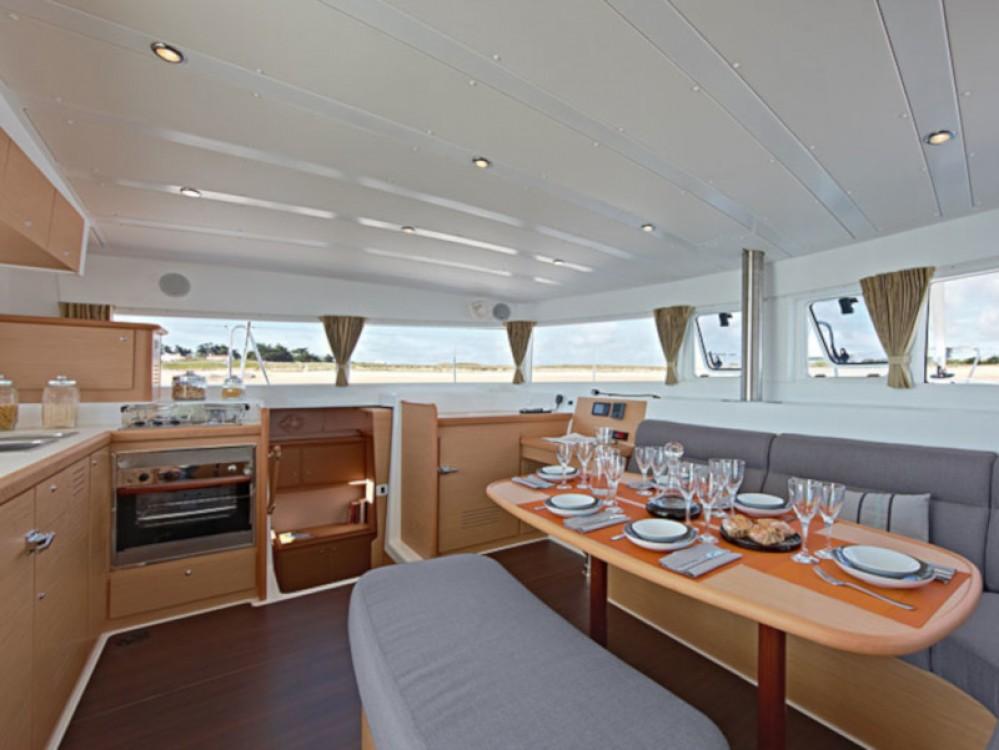 Noleggio barche Murter economico Lagoon 421
