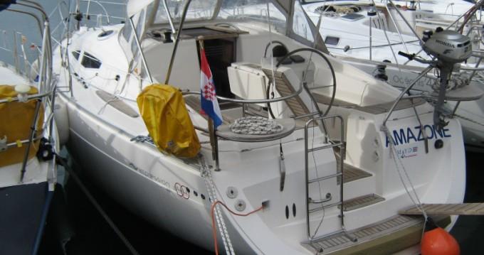 Noleggio Barca a vela a Betina – Elan Impression 344