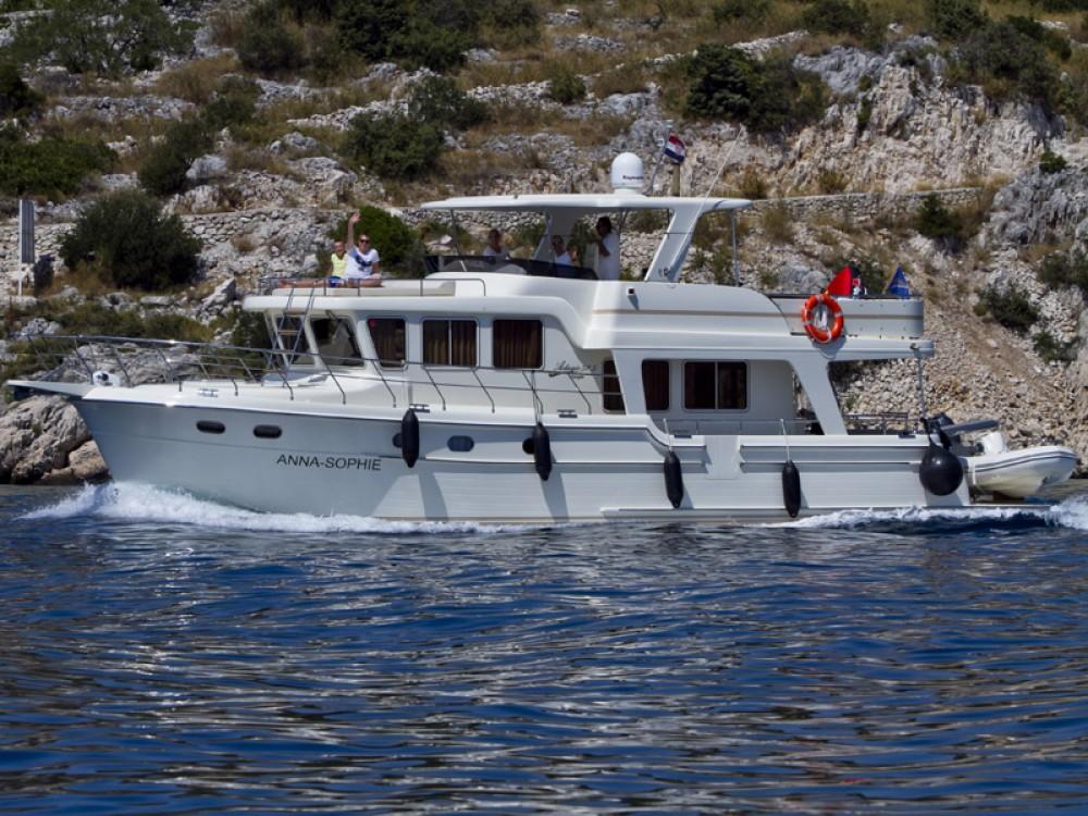 Noleggio Barca a motore con o senza skipper Adagio Capocesto