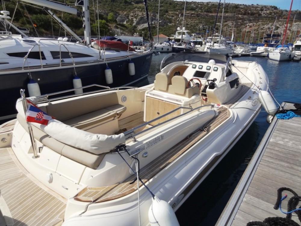 Noleggio yacht Capocesto -  MAR-CO e-motion 32 su SamBoat