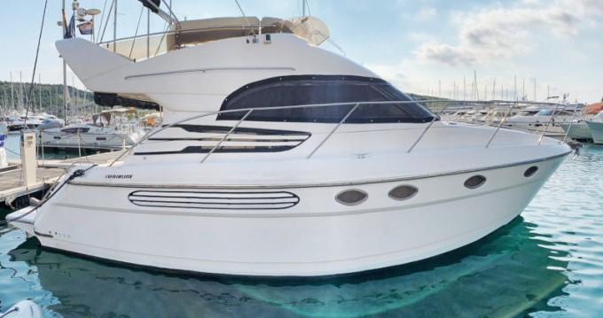 Noleggio Barca a motore con o senza skipper Fairline a Primošten