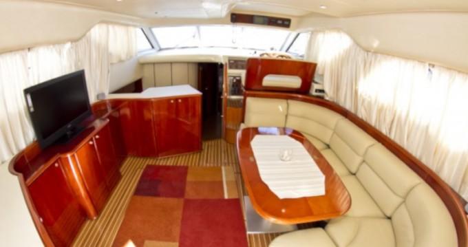 Noleggio Barca a motore con o senza skipper Princess a Primošten