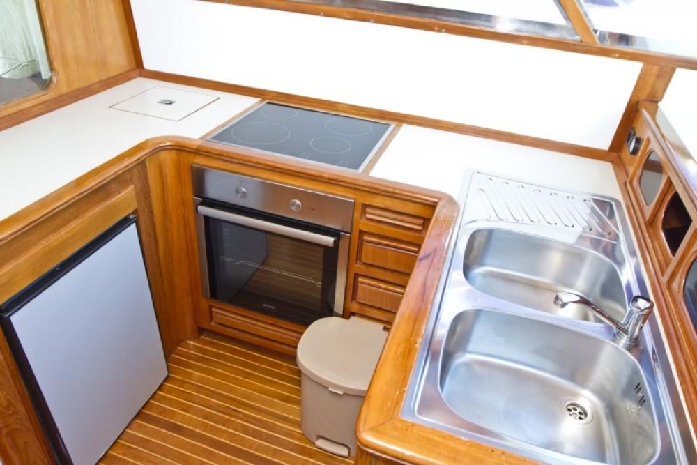 Noleggio Yacht Yaretti con una patente