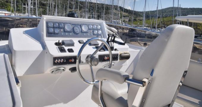 Noleggio barche Primošten economico Johnson 56
