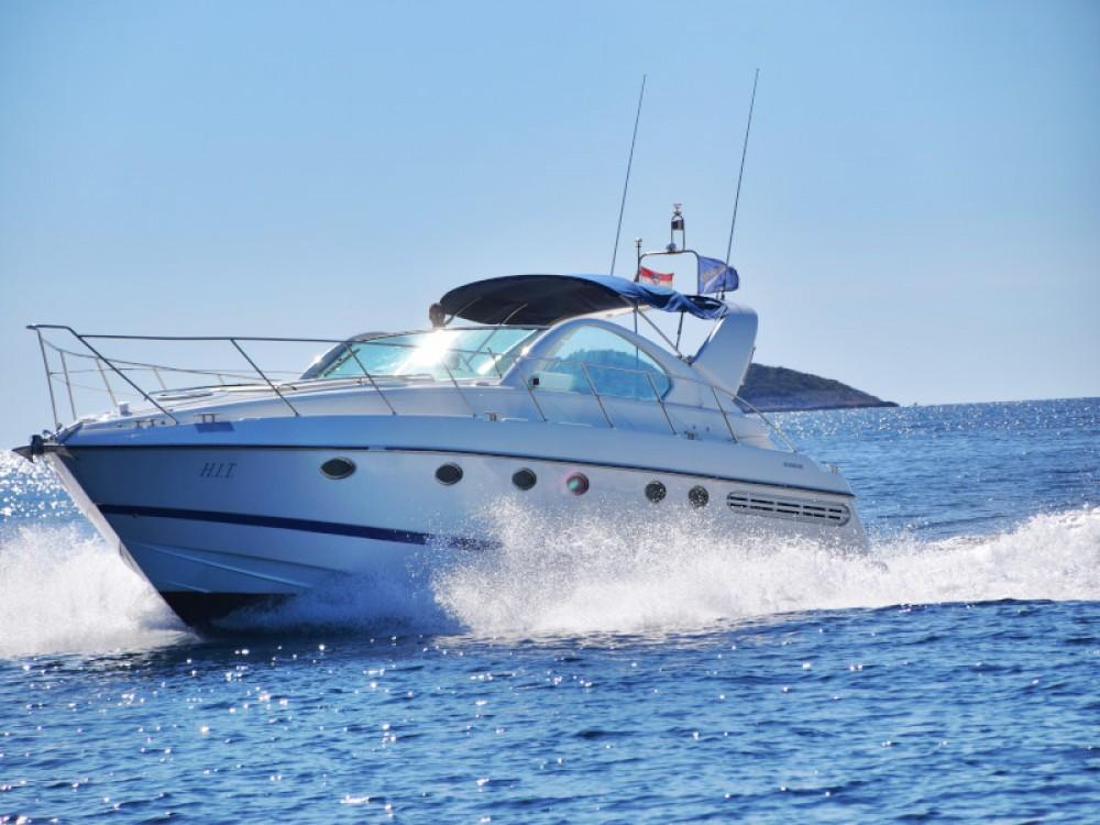 noleggio Barca a motore Capocesto - Fairline Fairline Targa 48