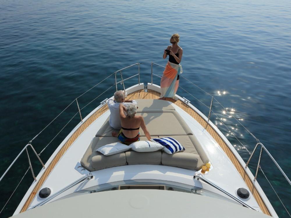 Noleggio Barca a motore con o senza skipper Bavaria Zaravecchia