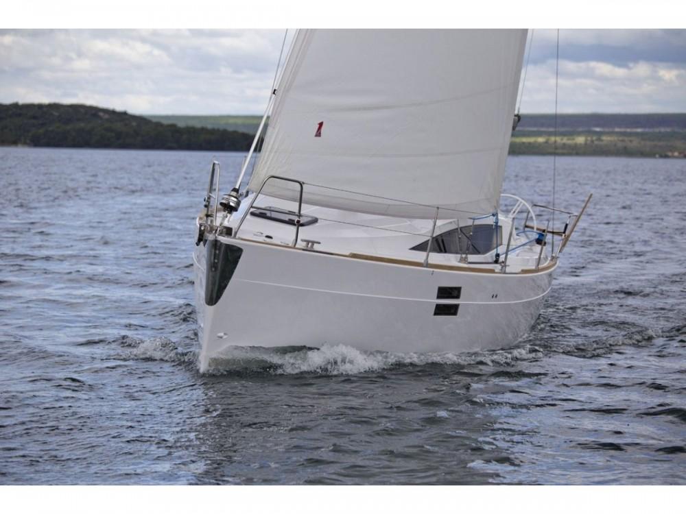 Noleggio barche Elan Elan 35 Impression Zara su Samboat