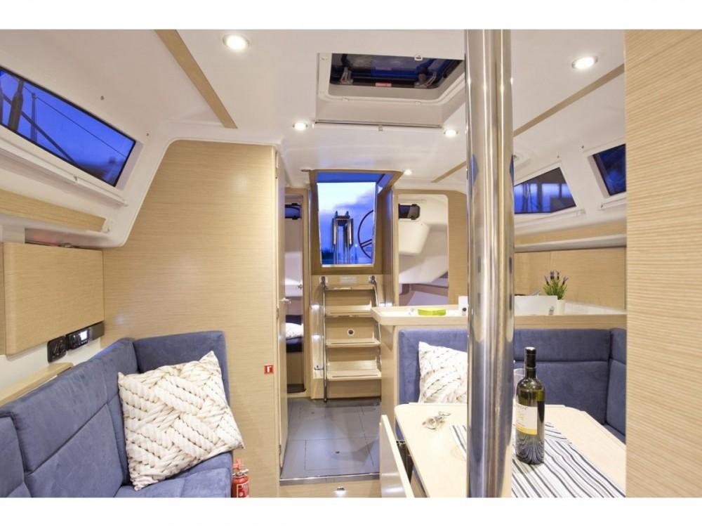 Noleggio yacht Zara - Elan Elan 35 Impression su SamBoat