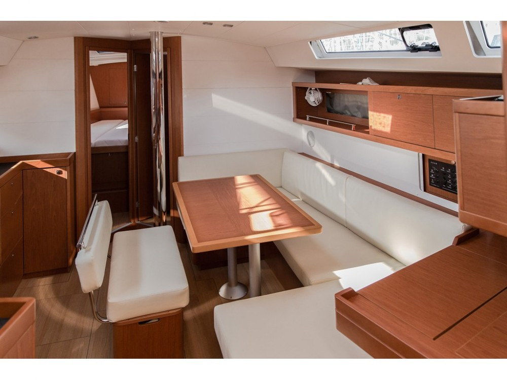 Noleggio Barca a vela con o senza skipper Bénéteau