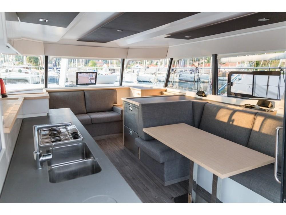 Noleggio Catamarano con o senza skipper Fountaine Pajot Slano