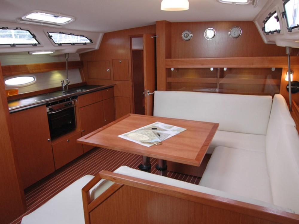 Noleggio yacht Marina di Portisco - Bavaria Bavaria 43 C su SamBoat