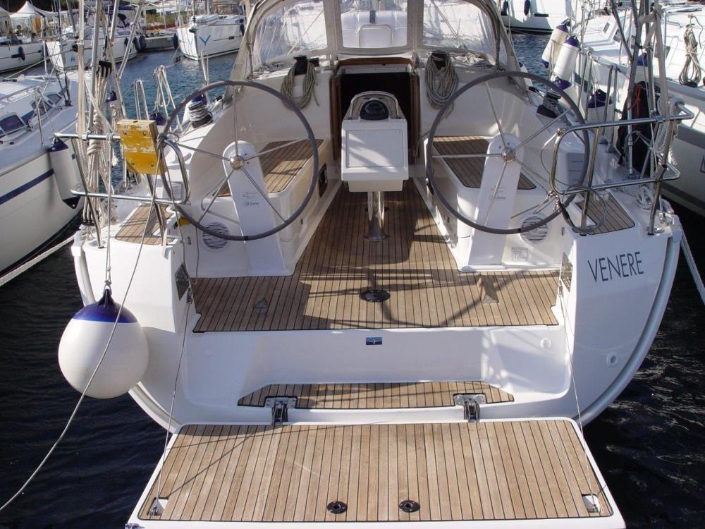 Noleggio barche Marina di Portisco economico Bavaria Cruiser 37