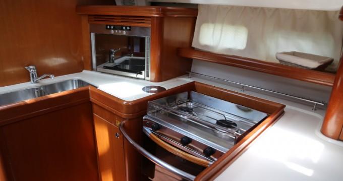 Noleggio barche Bénéteau Beneteau Oceanis 523 a Kaštel Gomilica su Samboat