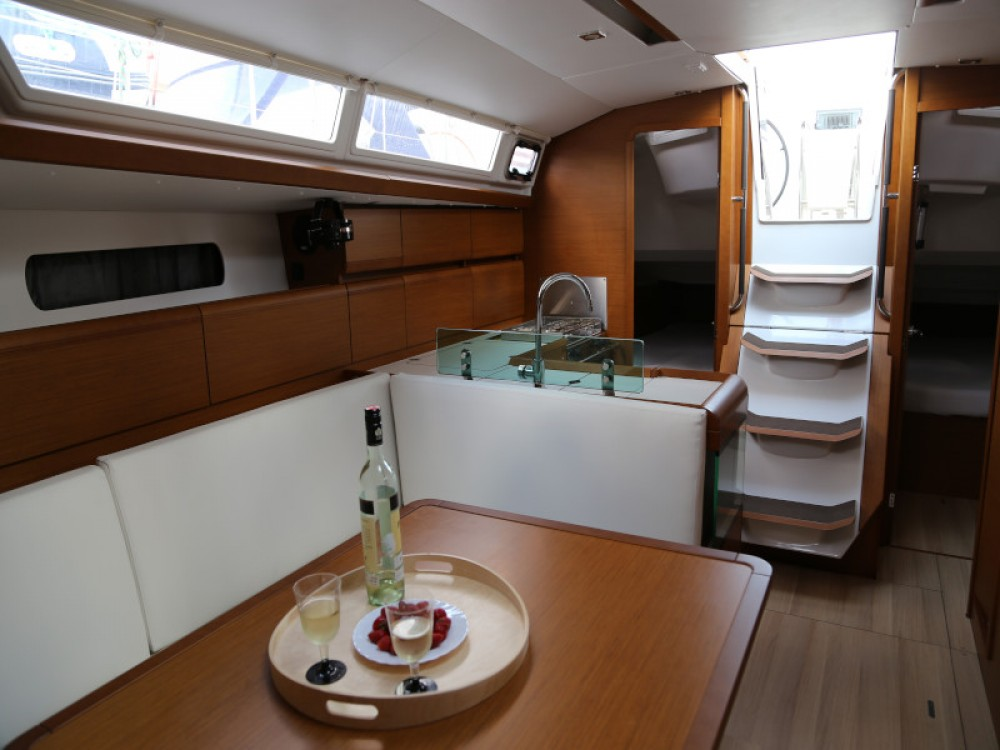 Noleggio yacht  - Jeanneau Sun Odyssey 419 su SamBoat