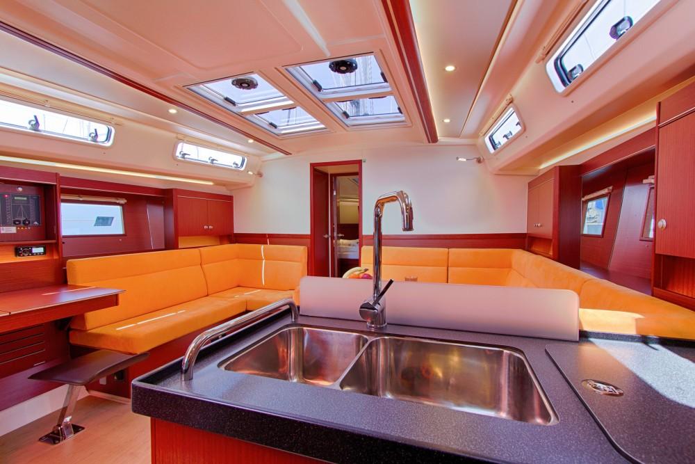 Noleggio barche Spalato economico Hanse 455