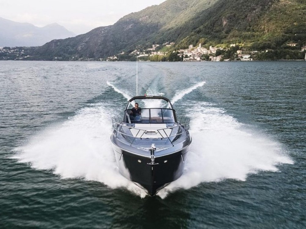 Cranchi Z35 tra personale e professionale Podstrana