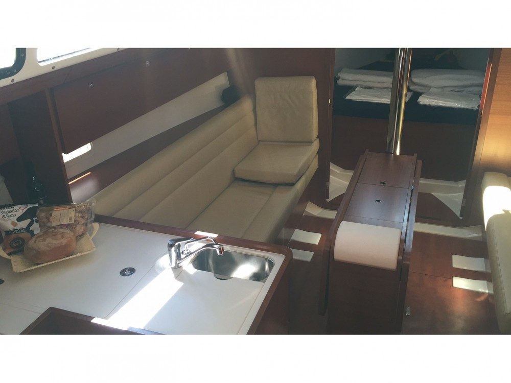 Noleggio yacht Marina di Portisco - Dufour Dufour 350 GL su SamBoat