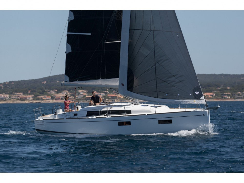 Noleggio barche  economico Oceanis 38.1