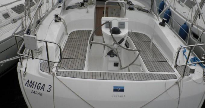 Barca a vela a noleggio a Sukošan al miglior prezzo