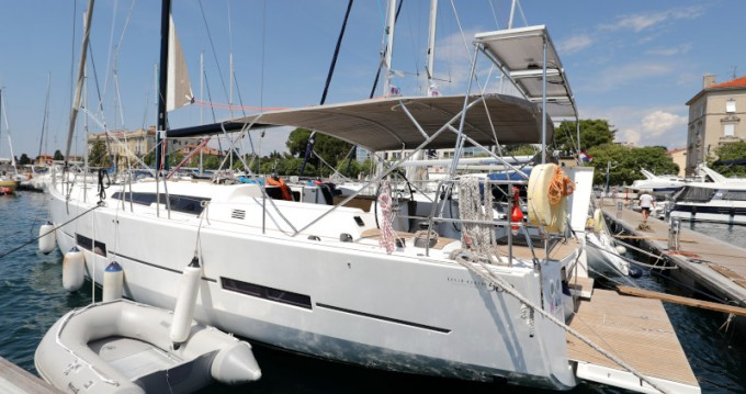 Noleggio Barca a vela a Zara – Dufour Dufour 560