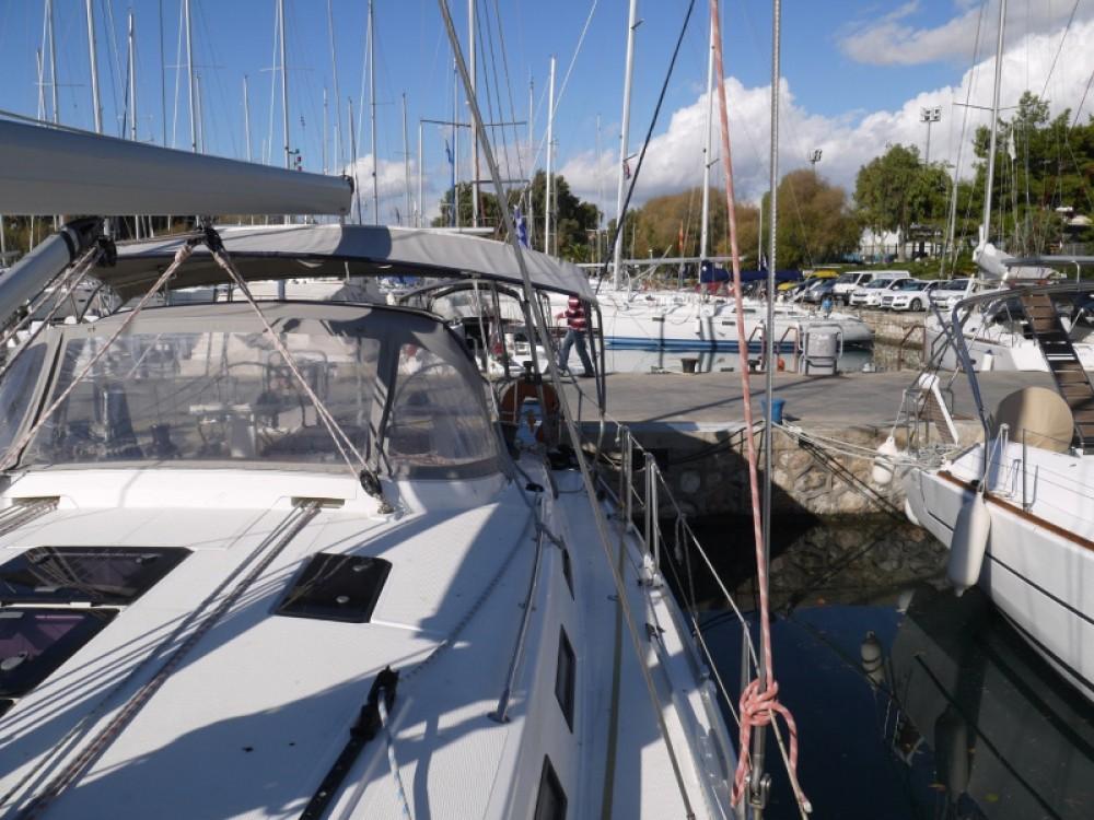 Noleggio yacht Porto di Alimos - Bavaria Bavaria 45 Cruiser su SamBoat