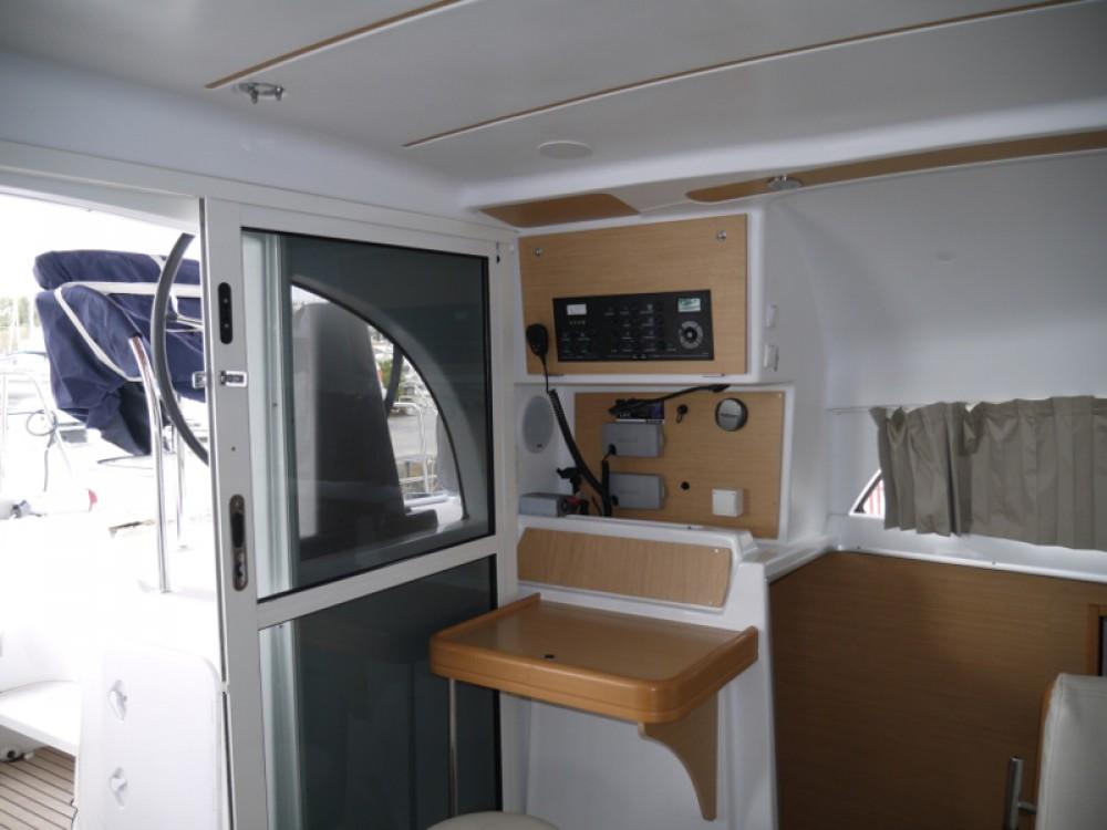 Noleggio Catamarano con o senza skipper Lagoon Porto di Alimos