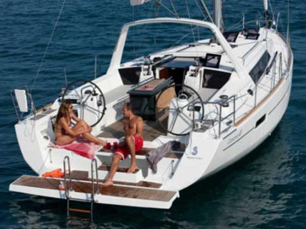 Noleggio barche Bénéteau Oceanis 41 Porto di Alimos su Samboat