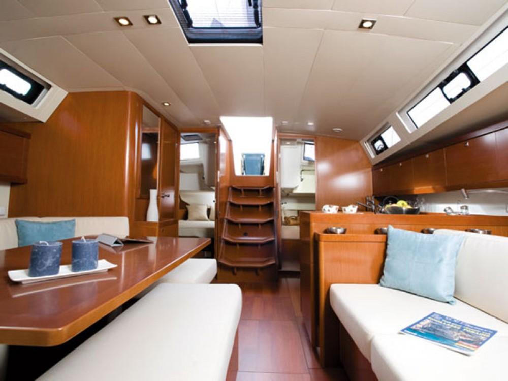 Noleggio barche Porto di Alimos economico Oceanis 41