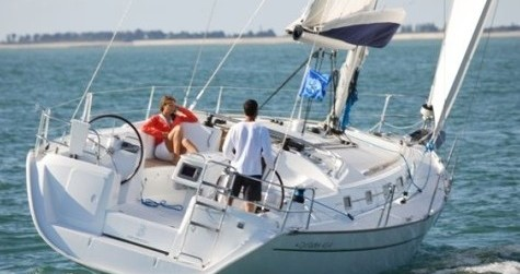 Bénéteau Cyclades 43.4 tra privati e professionisti a Port of Lefkada