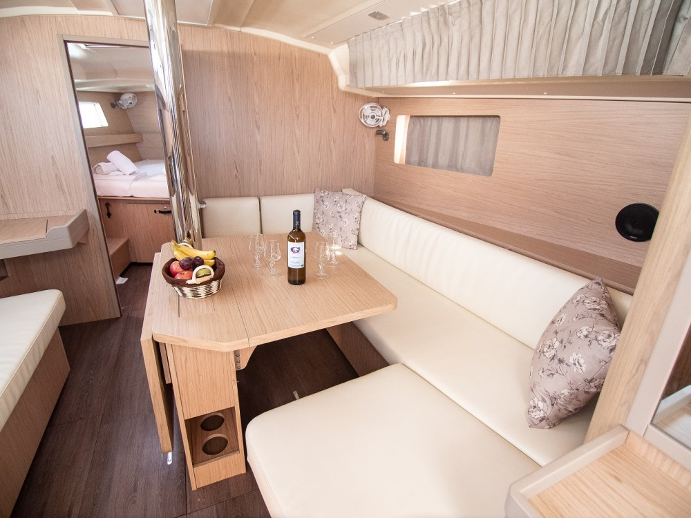 Noleggio barche Bénéteau Oceanis 41.1  su Samboat