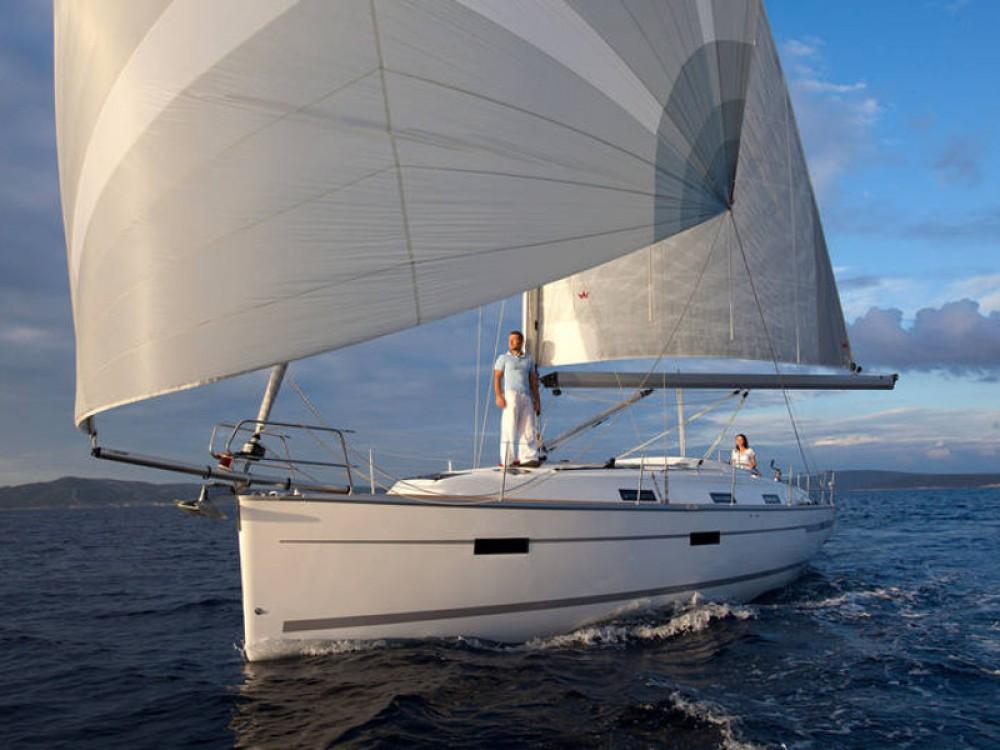 Noleggio barche Bavaria Bavaria Cruiser 36  Palma su Samboat
