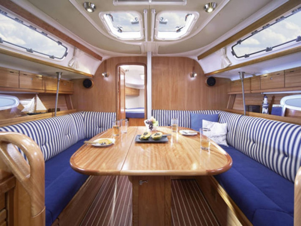 Noleggio barche Bavaria Bavaria 38 Cruiser  su Samboat