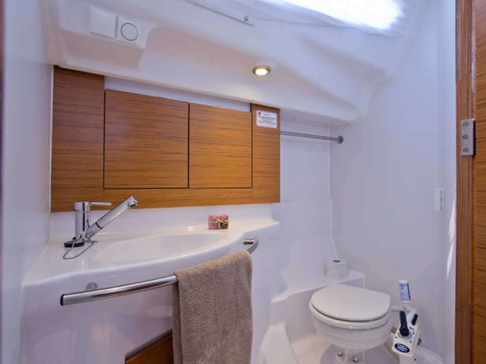 Noleggio yacht Zaravecchia - Elan Elan 40 Impression su SamBoat