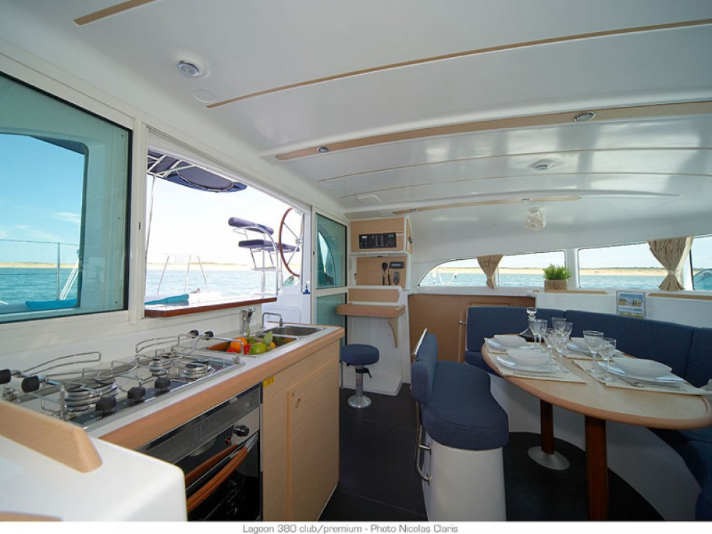 Noleggio barche Lagoon Lagoon 380 Le Marin su Samboat