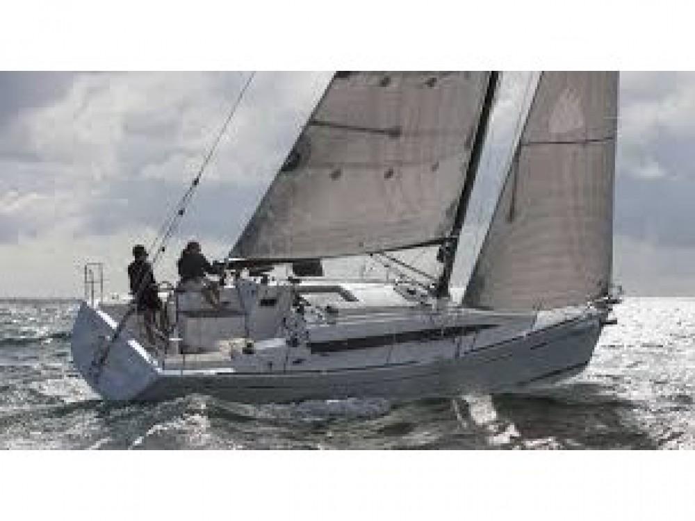 Noleggiare un'Bénéteau Oceanis 41.1 Le Marin