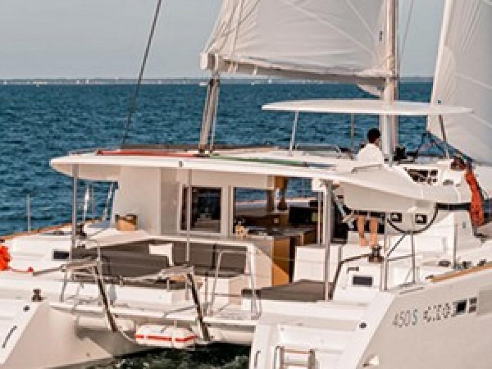Noleggio barche Lagoon Lagoon 450 Sportop Le Marin su Samboat
