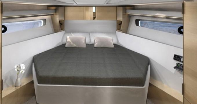 Noleggio barche Bavaria Bavaria 400 Coupe a Sebenico su Samboat