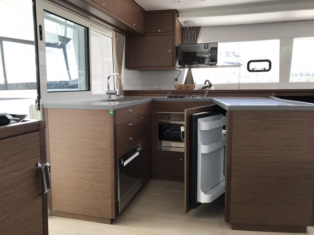 Noleggio barche Sebenico economico Lagoon 450 F