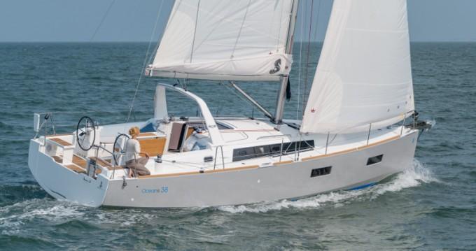 Bénéteau Oceanis 38 tra privati e professionisti a Sebenico