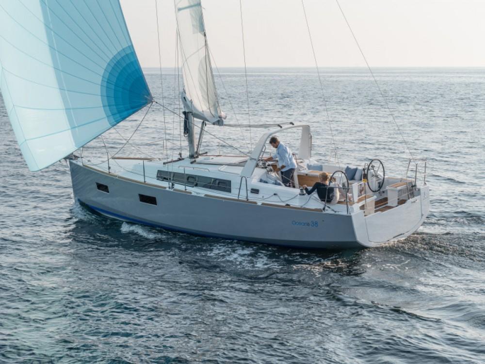 Noleggio barche Bénéteau Oceanis 38 Sebenico su Samboat