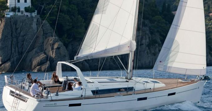 Bénéteau Oceanis 45 tra privati e professionisti a Sebenico