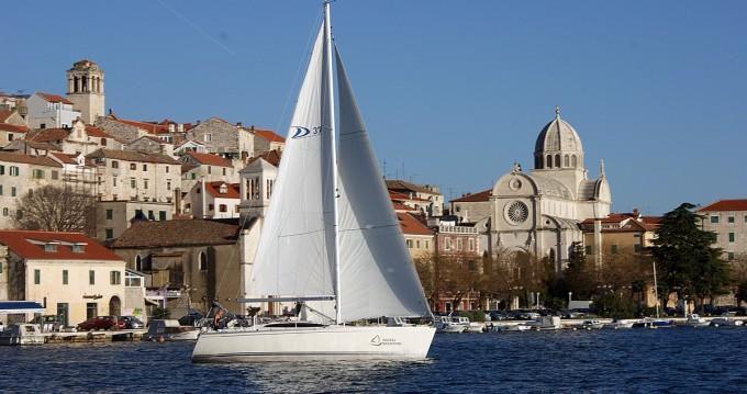 Noleggio barche Sebenico economico Delphia 37.3
